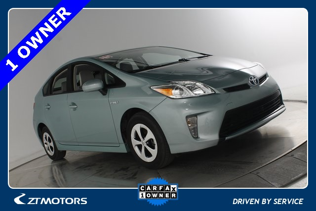 Pre Owned 2015 Toyota Prius Three
